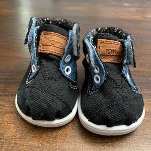 TOMS Hi Top Baby Shoes Size Toddler 2 (T2)